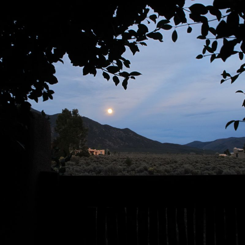 MoonOverTaos